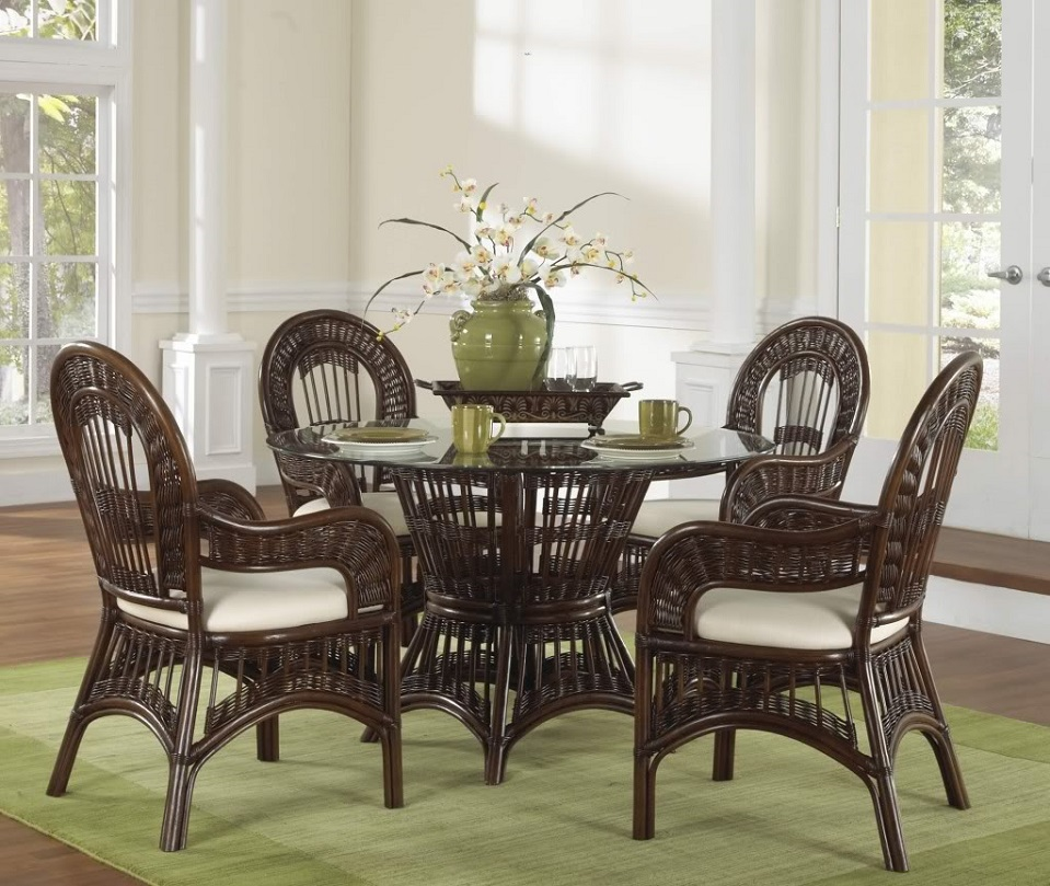 Rattan-Dining-Table
