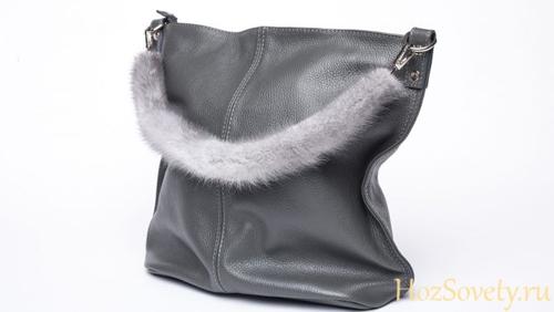 сумка с ручкой из меха